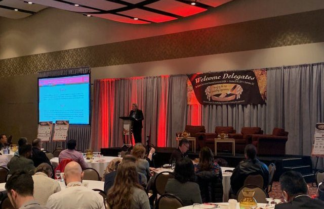 Du 27 au 30 octobre a eu lieu la 26e conférence annuelle de CANDO (Council for the Advancement of Native Development Officers) à l'hôtel Hilton Lac-Leamy de Gatineau. Un événement qui a rassemblé plus de 350 participants, principalement des conseillers en développement économique provenant de toutes les provinces et territoires du Canada.