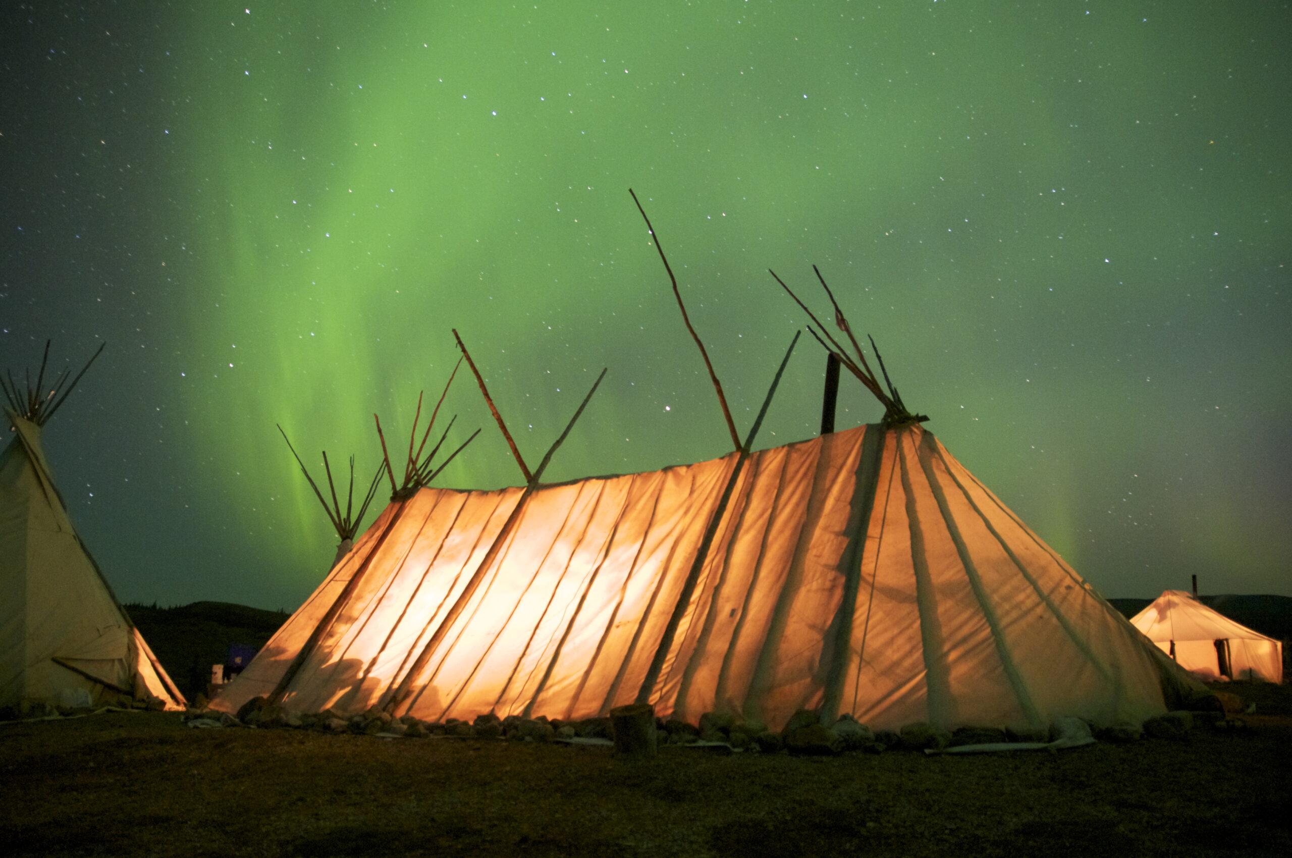 Le 8 avril 2021, un incubateur accélérateur nordique a été lancé pour accompagner le développement de projets touristiques au nord du 49e parallèle.